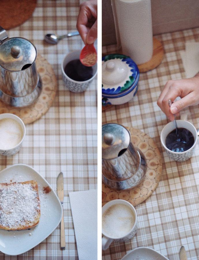 mañanas con olor a café y deliciosa tostada francesa.