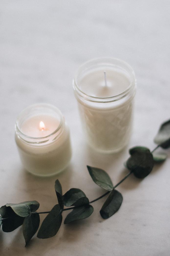 velas de cera de soja y esencia  de eucalipto
